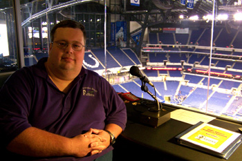 Neil Announcing at Lucas Oil Stadium